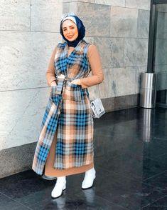Modern Hijab Fashion, Hijab Fashion Inspiration, Muslim Fashion, Style Inspiration, Sporty Outfits, Cute Outfits, Arabic Dress, Hijabs, Hijab Outfit