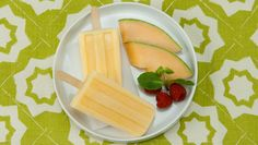 *Creamy Cantaloupe Pops - On Best Recipes Ever. Sounds like a quick summer breakfast on the go to me! Like a frozen smoothie, that's portable and nutritious too! Popsicle Recipes, Snack Recipes, Dessert Recipes, Cooking Recipes, Healthy Recipes, Healthy Foods, Yummy Recipes, Sorbet, Gelato