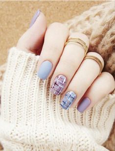 Attractive Blue Nail Designs for Acrylic Nails and Almond Nails - The First-Hand Fashion News for Females Grey Gel Nails, Blue Glitter Nails, Red Manicure, Manicure Colors, Polygel Nails, Glue On Nails, Acrylic Nails, Red Nails, Ocean Blue Nails