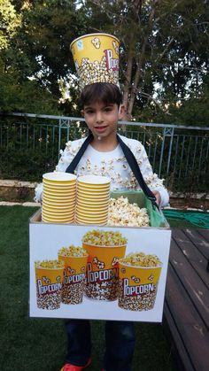 Popcorn seller
