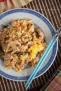 Mirabelkowy blog: Smażony ryż z wieprzowiną. Po chińsku. Fried Rice, Fries, Chinese, Pierogi, Cooking, Ethnic Recipes, Blog, Kitchen, Blogging