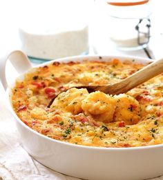 Spicy Shrimp and Grits Casserole with Gouda Cheese Shrimp & Grits Casserole. Spicy Shrimp and Grits Casserole with Gouda Cheese – The Southern comfort food classic in an easy make-ahead casserole. Fish Recipes, Seafood Recipes, Cooking Recipes, Cajun Recipes, Seafood Casserole Recipes, Yummy Recipes, Dinner Recipes, Shrimp Dishes, Fish Dishes