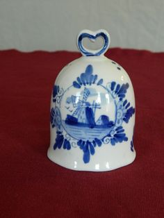DELFT BLUE BELL, HAND PAINTED, HEART SHAPE HANDLE – 98-10071-WHITE AND BLUE
