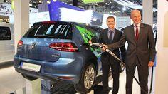2016 Volkswagen Golf TGI BlueMotion  81kW 110 PS ERDGAS  -  Exterior and...