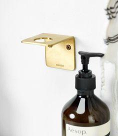 This Aesop pump bottle holder makes using Aesop or Grown Alchemist soap, lotion or detergent it much easier and fancier. Soap Holder, Bottle Holders, Soap Dispenser, Wall Taps, Soap Pump, Black Soap, Wall Brackets, Organic Beauty, Minimalist Decor
