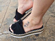 Mules Shoes, Shoes Sandals, Denim Boots, Slipper Sandals, Melissa Shoes, Mode Hijab, Hippie Chic, Strap Heels, Huaraches