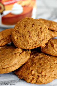 Pumpkin peanut butter cookies pair nicely with a glass of milk or coffee for an afternoon treat Köstliche Desserts, Delicious Desserts, Dessert Recipes, Yummy Food, Pumpkin Cookies, Pumpkin Spice, Chip Cookies, Pumpkin Recipes, Fall Recipes