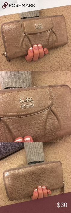 💸coach wallet💸 Adorable coach wallet! So cute and in good condition! Great for money$ cards and coins!  Why shop my closet ?   ❥ smoke free home!  ❥ great condition items! ❥ 100% negotiable prices!  ❥ 1-2 day shipping! ❥ cheap prices!   I'm super friendly and thrilled for you to shop my closet! Please don't hesitate to ask for additional photos or information ☻ thanks for stopping by - enjoy ! Coach Bags Wallets