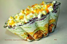 Super przepis na sałatkę drobiową z tzatziki. Polish Recipes, Meat Recipes, Salad Recipes, Cooking Recipes, Tzatziki, Appetizer Salads, Creative Food, I Love Food, Food To Make