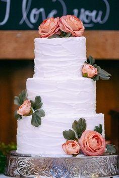 As rosas ganham destaque na composição. Foto: Pinterest/knotsvilla.com