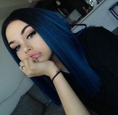 Maggie Lindemann blue hair