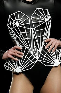 printer design printer projects printer diy DRESS DRESS Maya Hansen collaboration with Maria Orille corsetry you can find similar pins . Geometric Fashion, 3d Fashion, Fashion Design, 3d Printed Fashion, 3d Printed Dress, Structured Fashion, 3d Mode, 3d Printing Materials, Recycled Dress