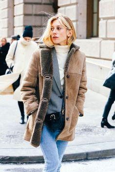 Street looks à la Fashion Week automne-hiver 2015-2016 de New York http://www.vogue.fr/mode/street-looks/diaporama/street-looks-la-fashion-week-automne-hiver-2015-2016-de-new-york/19083/carrousel#street-looks-la-fashion-week-automne-hiver-2015-2016-de-new-york-40