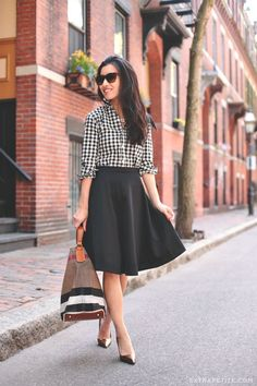 Back to classics: gingham + flared skirt