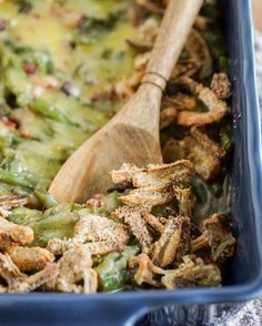 """Road tripping out to my favorite place today and dreaming about stuffing my face with this on Thanksgiving 😏🙌 Green bean casserole is a staple for Thanksgiving and this one is an crowd pleaser 👌 """"Fried"""" onions: 1 tbsp ghee (@gathersuperfoods is the best of the best🙌) 1/2 cup tapioca starch 1/4 cup almond flour 1 tsp garlic powder 1 tsp salt 1/2 tsp pepper Toss chopped onions in melted ghee and then coat with flour mixture. Bake at 425 for about 10-15 minutes until they are to your…"""