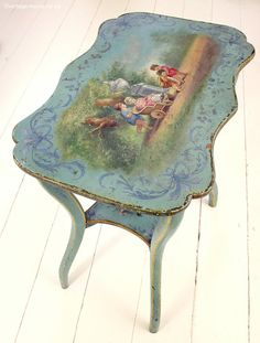 Vintage Home - Exquisite Painted French Table. Romantic Shabby Chic, Shabby Chic Style, Hand Painted Furniture, Art Furniture, Shabby Cottage, Cottage Chic, Kitsch, French Style Decor, French Table