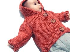 Abrigo bebe con capucha. - No sin mis patucos Knitting For Kids, Baby Knitting, Fingerless Gloves, Arm Warmers, Chloe, Pullover, Children, Sweaters, Outfits