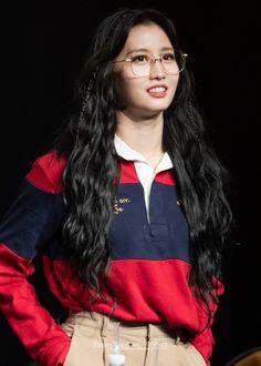 Nayeon, Kpop Girl Groups, Korean Girl Groups, Kpop Girls, My Girl, Cool Girl, Tzuyu And Sana, Sana Momo, Jihyo Twice