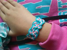 pulsera nudos Beading, Bracelets, Jewelry, Ideas, Fashion, Bangle Bracelets, Manualidades, Moda, Bead