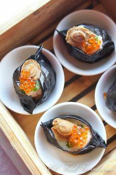 Squid Ink Scallop Dumpling topped with Salmon Roe (Dimsum Unlimited) - fish Cute Food, Good Food, Yummy Food, Dim Sum, Asian Recipes, Gourmet Recipes, Black Food, Fish Dishes, Food Presentation