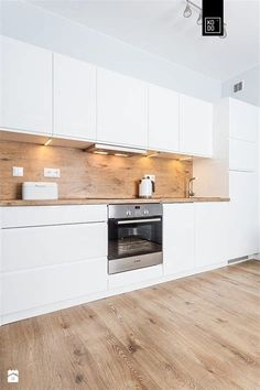 Galley Kitchen Remodel Ideas (Small Galley Kitchen Design, Makeovers, and Plans) Galley Kitchen Remodel Ideas 2019 Galley Kitchen Design, Small Galley Kitchens, Galley Kitchen Remodel, Modern Kitchen Cabinets, Modern Kitchen Design, Kitchen Flooring, Home Kitchens, Home Decor Kitchen, Kitchen Interior