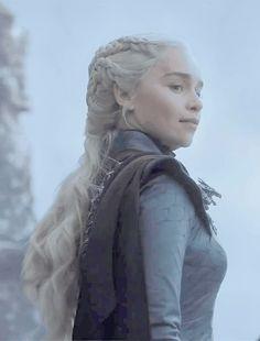 Daenerys Targaryen in Got Game Of Thrones, Game Of Thrones Quotes, Game Of Thrones Funny, Emilia Clarke, The Mother Of Dragons, Got Dragons, I Love Games, Got Memes, Khaleesi