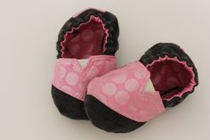 TOMS Inspired Baby Shoes - links to free pattern