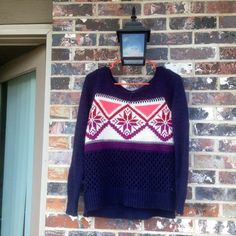 AE sweater Such a pretty sweater!  Lightly worn American Eagle Outfitters Sweaters