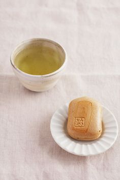 tea with Monaka which is a kind of Japanese sweet of bean jam wrapped with thin wafers made from rice cake.