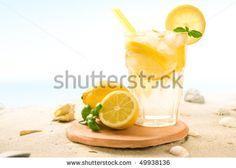 Früchte Mit Eiswürfel Stockfotos und -bilder | Shutterstock