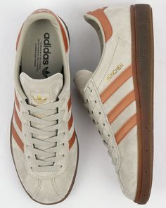 official photos bbf81 42e55 We stock more amazing colours of the Adidas Munchen trainers online.