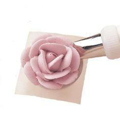 Con este paso a paso del método Wilton y un poco de práctica, te aseguramos que la rosa te va a quedar igual que las fotos (o mejor!)