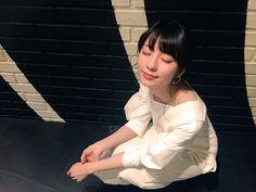 小島梨里杏認証済みアカウント @lespros_riria  5月5日  「小島梨里杏じゃないかもです。」イベント生写真の販売が開始されました〜☺️✨  2公演イベントの様子やイベント前に撮っていただいた写真があります、、!  今日から10日間こちらで購入できるみたいです、ぜひ。  →http://ar-sha.com/artist-4895.ht …  #浅草九劇