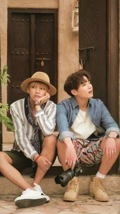 Image shared by 𝒿ℯ𝓈𝓈. Find images and videos about kpop, bts and jungkook on We Heart It - the app to get lost in what you love. Vlive Bts, Bts Bangtan Boy, Bts Taehyung, Jimin, Bts Jungkook And V, Taekook, Yoonmin, Foto Bts, Wattpad