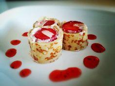 Dessert: Pannenkoeken Sushi Dessert met aardbeien