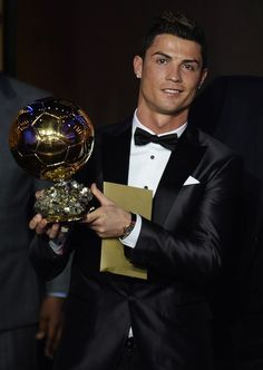 Cristiano Ronaldo won the FIFA trophy for being the best player voted Cristiano Ronaldo 7, Ronaldo Juventus, Neymar, Messi, Soccer Stars, Football Soccer, College Football, Good Soccer Players, Football Players