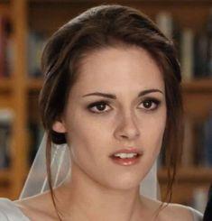 Bella+Swan+Twilight   ... Bella Swan's Bridal Makeup Look In The Twilight Saga: Breaking Dawn #bridalmakeuplooks