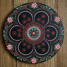 Christmas mandala step by step tutorial by Kelly Theresa #dotartwork #handpainted #dotmandala #dotpainting #kellytheresa #dotpaintingtutorial #dotpainting101 #mandalatutorial #stepbysteppainting #dotmandalastepbystep #videotutorial #paintingvideo #acrylicpainting #dottism #dotting Dot Painting Tools, Rock Painting Patterns, Dot Art Painting, Mandala Painting, Stencil Painting, Stone Painting, Painting Gallery, Painting Tutorials, Mandala Dots