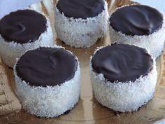 "Képtalálat a következőre: ""kozak sapka receptneked"" French Bakery, Sweet Cookies, Hungarian Recipes, Winter Food, Cake Recipes, Recipies, Cheesecake, Deserts, Muffin"