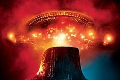 Close Encounters of the Third Kind - A look back at the cinematic inspirations in the Tom Cruise Science Fiction film Oblivion. Tom Cruise, Ufo, Cincinnati, Melinda Dillon, Science Fiction, Fiction Film, Fiction Books, Lois Mcmaster Bujold, John Hill