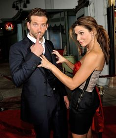 Bradley Cooper & Sandra Bullock, I don't quite know what's going on here but it looks fun.