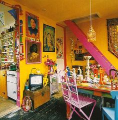 If you love #yellow... then this is a room for you. It has a definite #bohemian feeling to the amount and variety of the decorative items... #FunkyHomeDecor