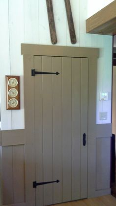Old Century Paint Colors Kim Ny Gave Her Door Wainscot A Quick Pick Me Up With Our Olde Ivory Perfect Summer Project Because It S