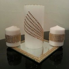 Top Christmas Candle Decoration For Your Inspire decor finish without the need for some December candles at the happy time. Christmas Candle Decorations, Christmas Candles, Christmas Crafts, Homemade Candles, Diy Candles, Pillar Candles, Home Crafts, Diy And Crafts, Candle Art