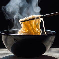 Udon, soba, ramen… aprende a diferenciar fácilmente los 'noodles' más comunes Fideos Shirataki, Fideos Soba, Ramen, Curry, Pasta, Wok, Coffee Maker, Veggies, Kitchen Appliances