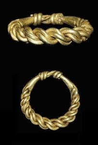 Viking plaited gold ring