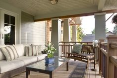 Ideas Craftsman Porch Railing Designs Houzz 13 One Story House Plans With Enclosure System Light Covers Table And Chairs Screened Design Home Stair Bungalow Railings Front Systems Craftsman Front Porches, Modern Front Porches, Craftsman Style Porch, Front Porch Railings, Front Deck, Bungalow Porch, Porch Railing Designs, Front Porch Design, Courtyards