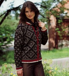 Ingeborg sweater pattern byDale Design   Ravelry #Norwegian #sweater #knitting #pattern