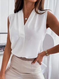 Work Fashion, Skirt Fashion, Diy Fashion, Fashion Outfits, Fashion Design, Fashion Trends, Look Blazer, Blouse And Skirt, Summer Tops