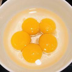 Prăjitură Fanta cu cremă de brânză dulce și blat cu cacao - Chef Nicolaie Tomescu Eggs, Breakfast, Food, Morning Coffee, Essen, Egg, Meals, Yemek, Egg As Food